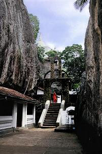 Aluvihare Rock Temple with ancient caves