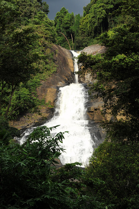 Bopath Ella waterfalls in in Ratnapura district