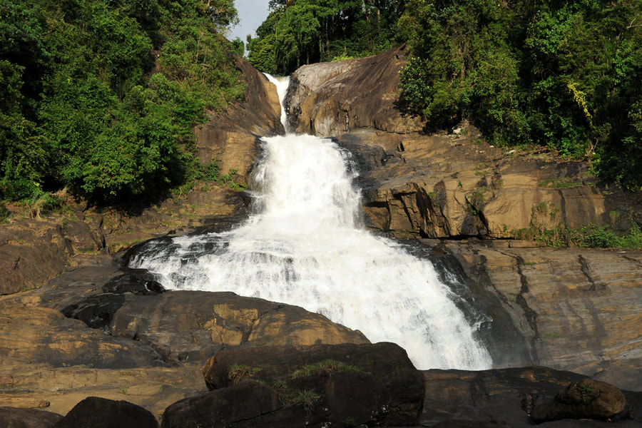 Bopath waterfalls near Kuruwita