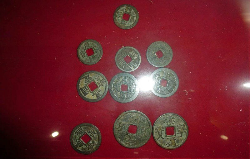 Chinese coins on exhibition in the Yapahuwa museum