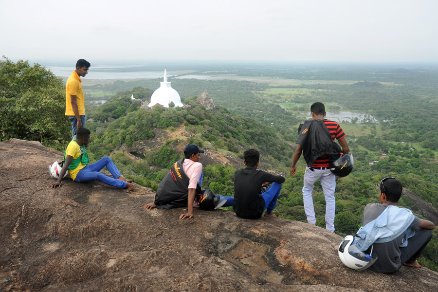 view from Et Wehera to Mahasya dagoba in Mihintale
