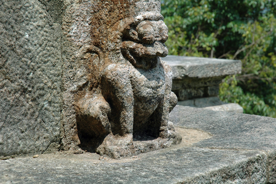lion sculpture at the gateway of Yapahuwa