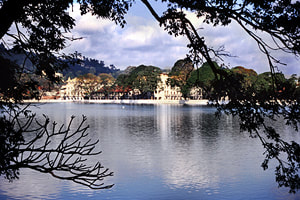 colonial architecture at Kandy Lake