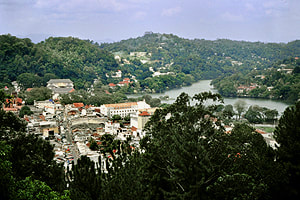 town centre and lake of Kandy