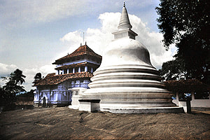 Lankathilaka image house and stupa