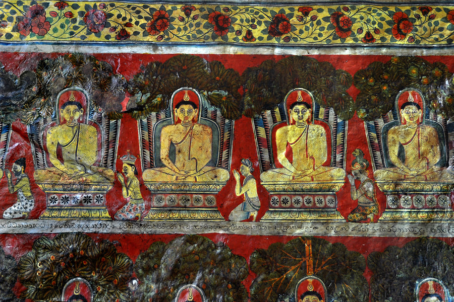 Buddhas in heaven painted at the lowermost tier