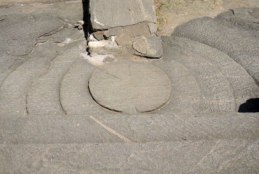 moonstone in front of the doorway of Lankatilaka temple