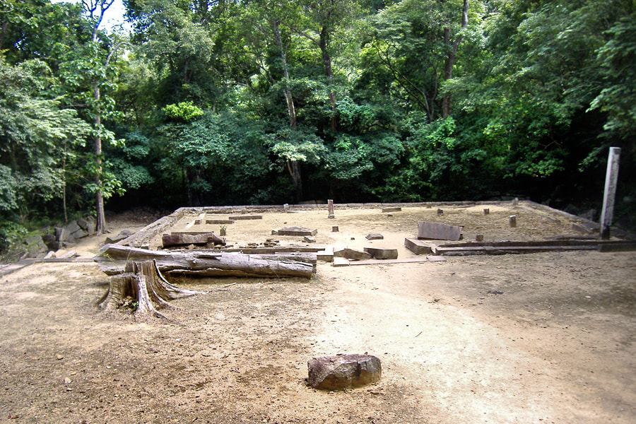 reception platform in the archaeological site of Ritigala